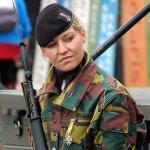 20050722-21-belgian-army-girl.jpg